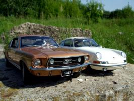 Прикрепленное изображение: Porsche_911_S_1967___Ford_Mustang_GT_390_1967___4_.JPG