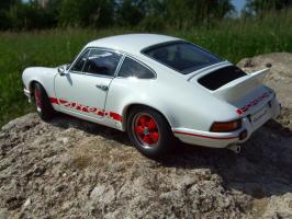 Прикрепленное изображение: Porsche_911_Carrera_RS_2_7_1973__13_.JPG