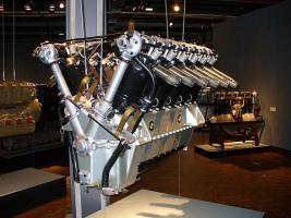 Прикрепленное изображение: BMW_VI_brutus_moteur.jpg