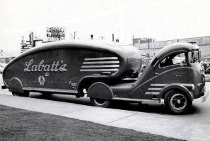 Прикрепленное изображение: Labatts_Beer_Truck_654.jpg
