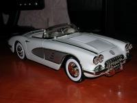 Прикрепленное изображение: Chevrolet_Corvette_1958_1_18__________________.jpg