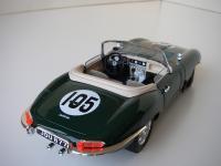 Прикрепленное изображение: Jaguar_E_Type_Convertible_1961__Bburago___2_.JPG