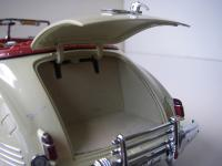 Прикрепленное изображение: Packard_Super_8_Custom_180_Victoria_Convertible_by_Darrin_1941__Signature_models___11_.JPG