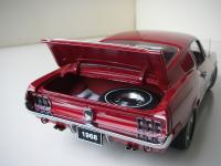 Прикрепленное изображение: Ford_Mustang_GT_Fastback_1968__AutoArt___9_.JPG