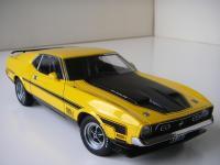 Прикрепленное изображение: Ford_Mustang_Mach_1_Sportsroof_1971__AutoArt___3_.JPG