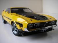Прикрепленное изображение: Ford_Mustang_Mach_1_Sportsroof_1971__AutoArt___7_.JPG
