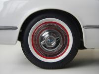 Прикрепленное изображение: Chevrolet_Corvette_1953__AutoArt___9_.JPG