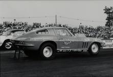 Прикрепленное изображение: Chevrolet_Corvette_Sting_Ray_Moroso_Drag_Car_1966__2_.jpg