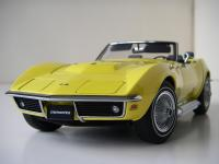 Прикрепленное изображение: Chevrolet_Corvette_Stingray_Convertible_1969__AutoArt___11_.JPG