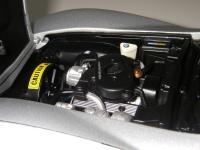 Прикрепленное изображение: Chevrolet_Corvette_Collector_Edition_1982__AutoArt___17_.JPG