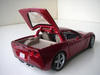 Прикрепленное изображение: Chevrolet_Corvette_C6_Coupe_2005__Maisto___4_.JPG