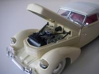 Прикрепленное изображение: Cord_810_Phaeton_1936__Signature_models___22_.JPG