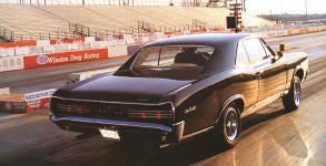 Прикрепленное изображение: Pontiac_GTO_Hardtop_Coupe_1966__2_.jpg