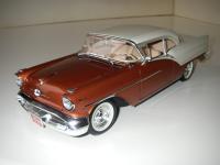 Прикрепленное изображение: Oldsmobile_Super_88_Holiday_Coupe_1957__Highway_61___10_.JPG