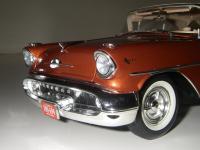 Прикрепленное изображение: Oldsmobile_Super_88_Holiday_Coupe_1957__Highway_61___15_.JPG