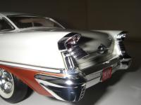 Прикрепленное изображение: Oldsmobile_Super_88_Holiday_Coupe_1957__Highway_61___18_.JPG