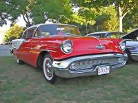 Прикрепленное изображение: Oldsmobile_Super_88_Holiday_Coupe_1957.jpg