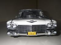 Прикрепленное изображение: Cadillac_Fleetwood_Seventy_Five_Limousine_1959__Precision_Miniatures___16_.JPG