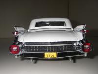 Прикрепленное изображение: Cadillac_Fleetwood_Seventy_Five_Limousine_1959__Precision_Miniatures___17_.JPG