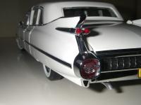 Прикрепленное изображение: Cadillac_Fleetwood_Seventy_Five_Limousine_1959__Precision_Miniatures___22_.JPG