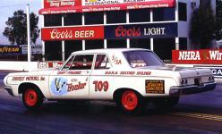 Прикрепленное изображение: Dodge_330_2_door_Sedan_Race_1964__3_.jpg