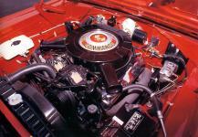 Прикрепленное изображение: Plymouth_Belvedere_GTX_1967_engine_V8_440_c.i..jpg