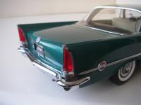 Прикрепленное изображение: Chrysler_300C_2_door_Hardtop_1957__ERTL_Precision_100___20_.JPG