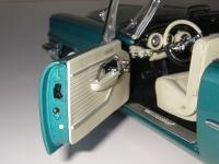 Прикрепленное изображение: Chrysler_300C_2_door_Hardtop_1957__ERTL_Precision_100___30_.JPG