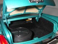 Прикрепленное изображение: Chrysler_300C_2_door_Hardtop_1957__ERTL_Precision_100___32_.JPG