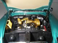 Прикрепленное изображение: Chrysler_300C_2_door_Hardtop_1957__ERTL_Precision_100___33_.JPG