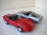 Прикрепленное изображение: Chevrolet_Corvette_Collector_Edition_1982__Autoart____Corvette_1982__Welly___7_.JPG