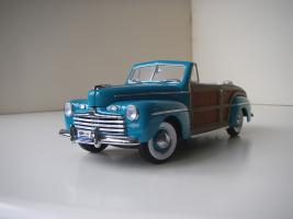 Прикрепленное изображение: Ford_Super_Deluxe_Sportsman_Convertible_1946__Yat_Ming_Signature_Series_.JPG