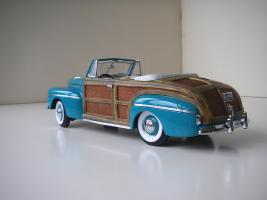Прикрепленное изображение: Ford_Super_Deluxe_Sportsman_Convertible_1946__Yat_Ming_Signature_Series___2_.JPG