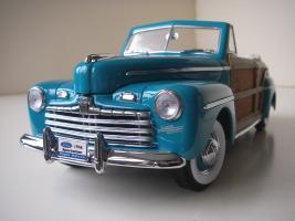 Прикрепленное изображение: Ford_Super_Deluxe_Sportsman_Convertible_1946__Yat_Ming_Signature_Series___9_.JPG