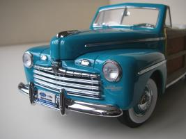Прикрепленное изображение: Ford_Super_Deluxe_Sportsman_Convertible_1946__Yat_Ming_Signature_Series___13_.JPG