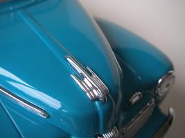Прикрепленное изображение: Ford_Super_Deluxe_Sportsman_Convertible_1946__Yat_Ming_Signature_Series___15_.JPG