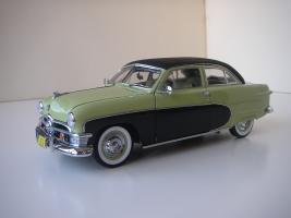 Прикрепленное изображение: Ford_Crestliner_2_door_Sedan_1950__Precision_Miniatures_.JPG