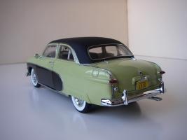 Прикрепленное изображение: Ford_Crestliner_2_door_Sedan_1950__Precision_Miniatures___3_.JPG