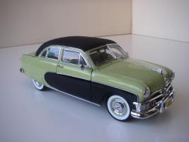 Прикрепленное изображение: Ford_Crestliner_2_door_Sedan_1950__Precision_Miniatures___7_.JPG
