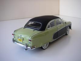 Прикрепленное изображение: Ford_Crestliner_2_door_Sedan_1950__Precision_Miniatures___8_.JPG