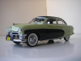 Прикрепленное изображение: Ford_Crestliner_2_door_Sedan_1950__Precision_Miniatures___13_.JPG