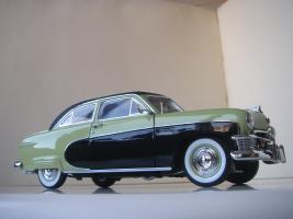 Прикрепленное изображение: Ford_Crestliner_2_door_Sedan_1950__Precision_Miniatures___14_.JPG