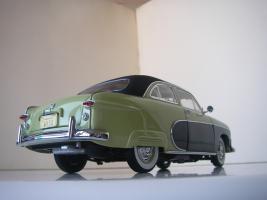 Прикрепленное изображение: Ford_Crestliner_2_door_Sedan_1950__Precision_Miniatures___16_.JPG