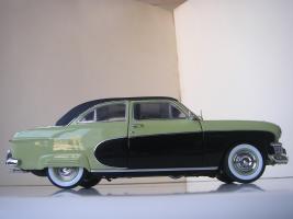 Прикрепленное изображение: Ford_Crestliner_2_door_Sedan_1950__Precision_Miniatures___17_.JPG