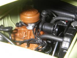 Прикрепленное изображение: Ford_Crestliner_2_door_Sedan_1950__Precision_Miniatures___28_.JPG