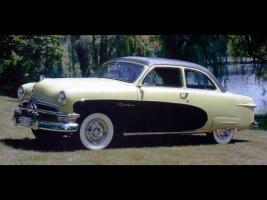 Прикрепленное изображение: Ford_Crestliner_2_door_Sedan_1950.jpg