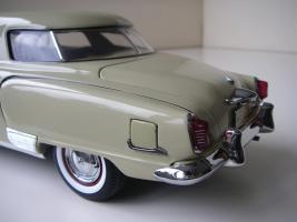 Прикрепленное изображение: Studebaker_Commander_Starlight_Coupe_1951__Highway_61___18_.JPG
