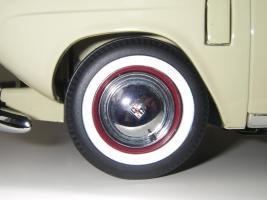 Прикрепленное изображение: Studebaker_Commander_Starlight_Coupe_1951__Highway_61___22_.JPG