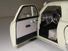 Прикрепленное изображение: Studebaker_Commander_Starlight_Coupe_1951__Highway_61___25_.JPG