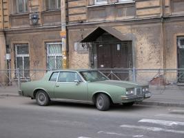 Прикрепленное изображение: Pontiac_Grand_Prix_SJ_1979.JPG